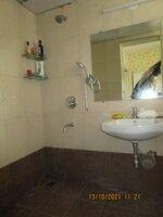 15A8U00030: Bathroom 1