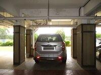 15J7U00505: parkings 1