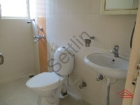 10NBU00450: Bathroom 1