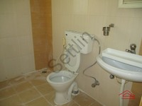 10NBU00450: Bathroom 2