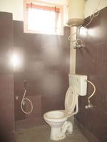 13A4U00013: Bathroom 1