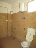 13A4U00013: Bathroom 2