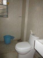 13DCU00139: Bathroom 2