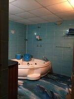 15J1U00213: Bathroom 4