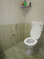 13M5U00370: Bathroom 1