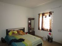 13M5U00370: Bedroom 1