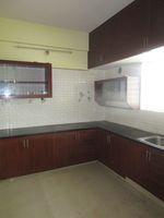 13J6U00575: Kitchen 1
