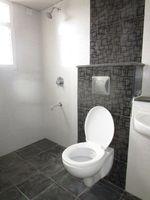 13M5U00809: Bathroom 3
