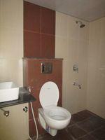 13M5U00809: Bathroom 1