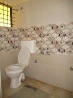 14A8U00093: bathrooms 2
