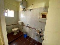 15J1U00401: Bathroom 2