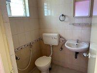 15J1U00401: Bathroom 1
