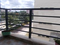 13OAU00106: Balcony 1