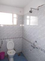 12DCU00250: Bathroom 3