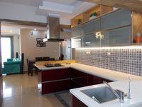 13M5U00197: Kitchen 1