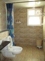 15A4U00281: Bathroom 3