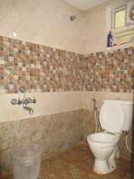 11A8U00360: Bathroom 1