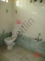 10DCU00309: Bathroom 1