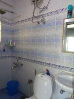 12NBU00073: Bathroom 1