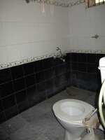 15A4U00071: bathroom 1