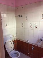 13J1U00115: Bathroom 3