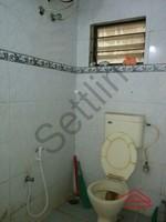 11F2U00135: Bathroom 1