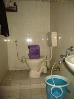 11DCU00242: Bathroom 2