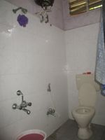 11DCU00242: Bathroom 1