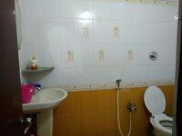 11M5U00100: Bathroom 1