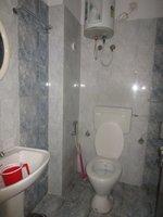 14F2U00431: Bathroom 1