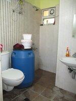 15J7U00047: Bathroom 1