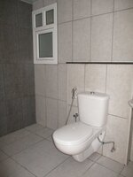 14OAU00222: Bathroom 2