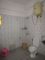 13A4U00246: Bathroom 1