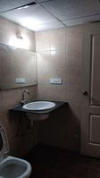 12DCU00301: Bathroom 1