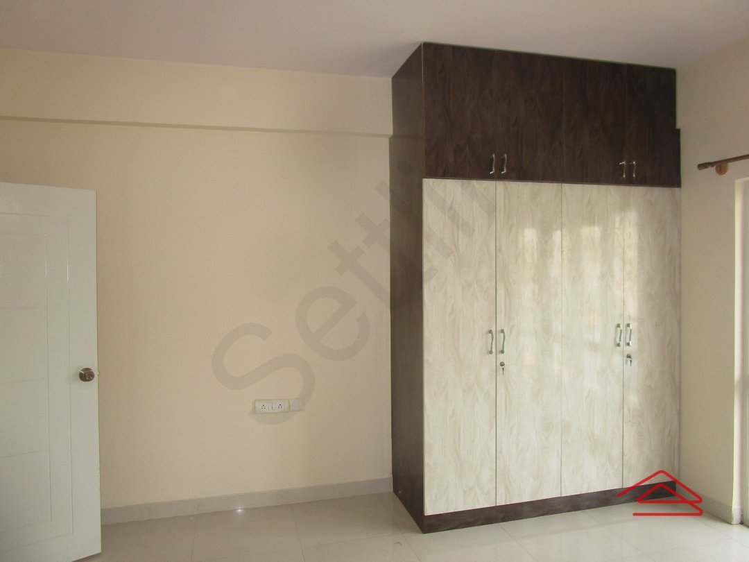 14J6U00344: Bedroom 1