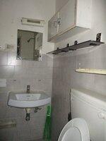 15S9U00945: Bathroom 1