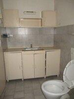 15S9U00945: Bathroom 2