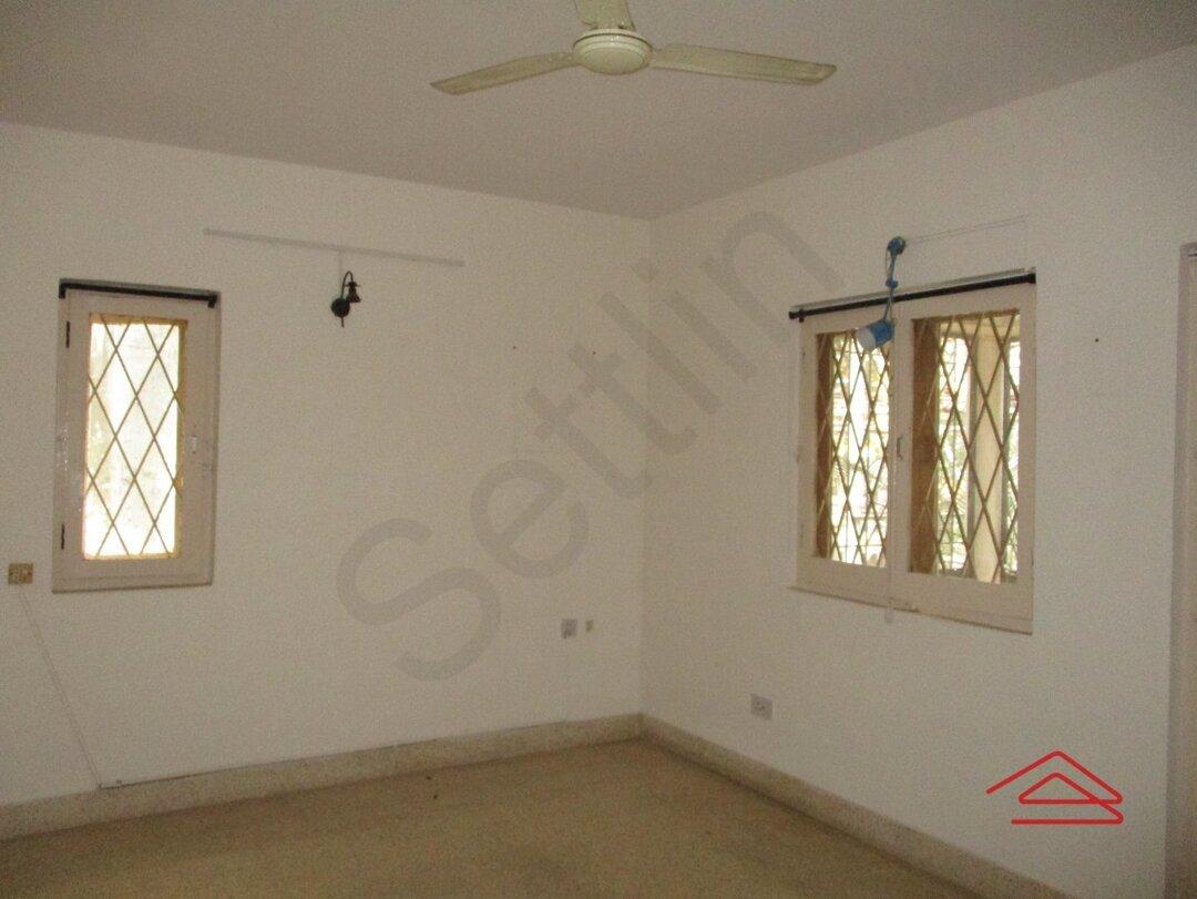 15S9U00945: Bedroom 1