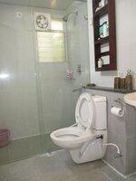 15J7U00158: Bathroom 1