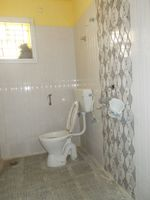 13M5U00734: Bathroom 1