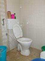 13M5U00734: Bathroom 2