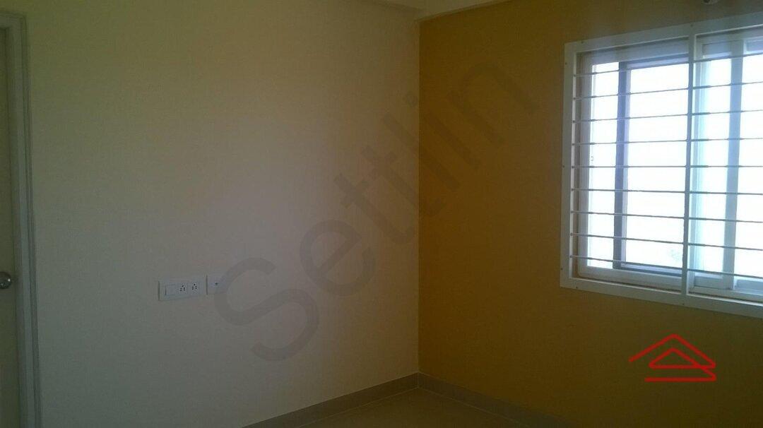 15J1U00112: Bedroom 1
