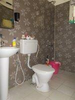 15J1U00125: Bathroom 2