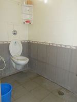 13M5U00597: Bathroom 1