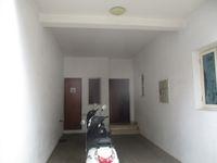 12J6U00524: parking 1