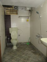 14M3U00445: Bathroom 2