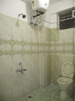 14M3U00445: Bathroom 1