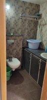 13S9U00012: Bathroom 2