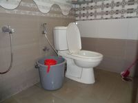 12DCU00106: Bathroom 3