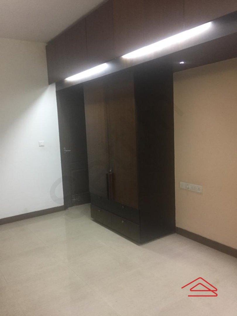 13S9U00369: Bedroom 1